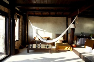 25 Indoor Hammocks Design Ideas