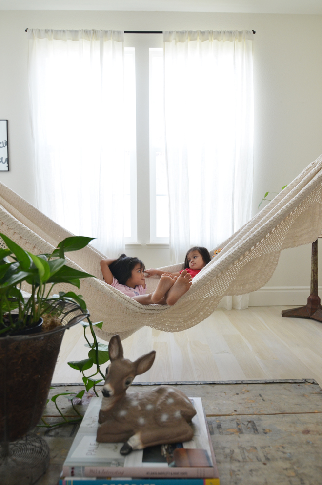 Indoor Hammocks __)