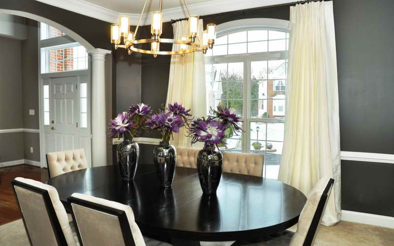 25 elegant dining table centerpiece ideas for Modern dining room table centerpiece ideas