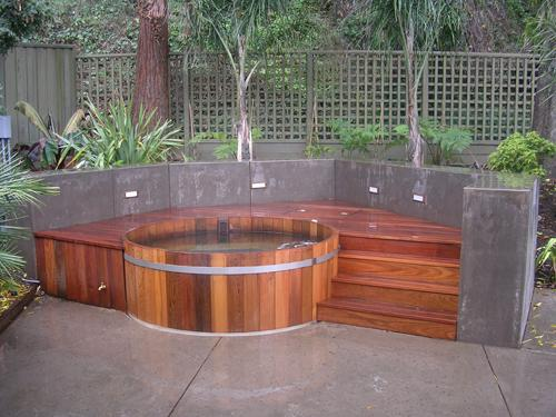 Wooden-Hot-Tub
