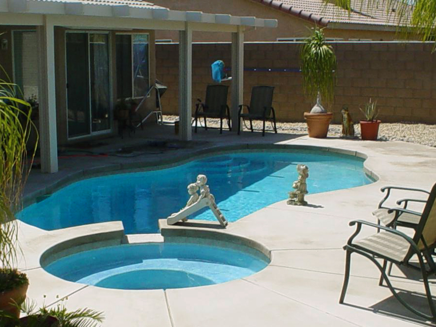 Backyard Pool Designs Small