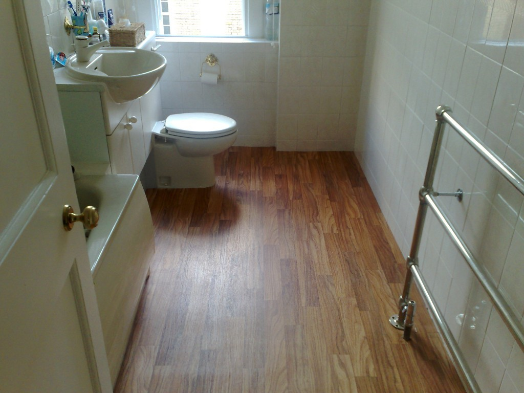 Best 25 Vinyl Flooring Bathroom Ideas Only On Pinterest: 20 Best Bathroom Flooring Ideas