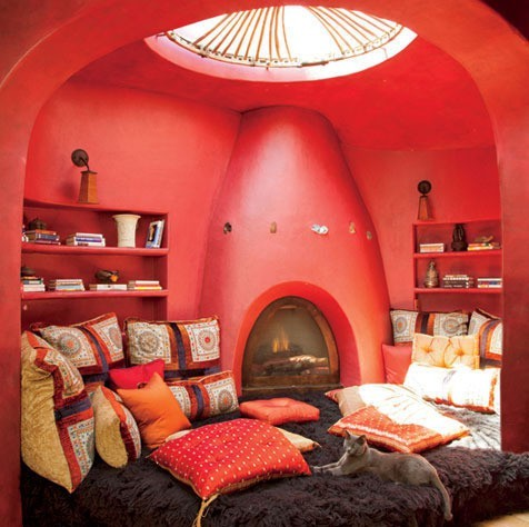 bohemian-bedroom-red-walls