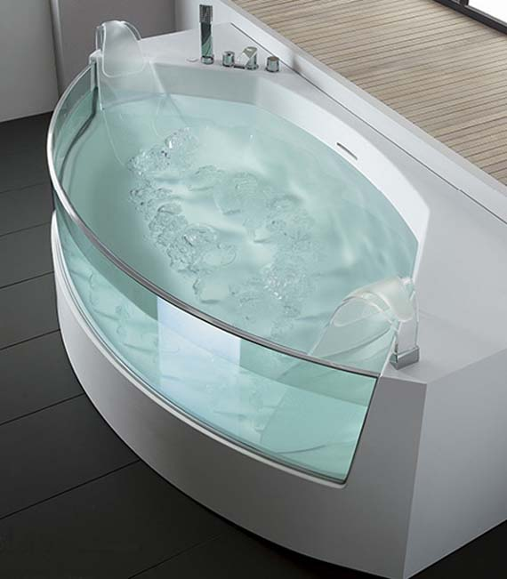 Clear Sided Whirlpool Bathtub Design