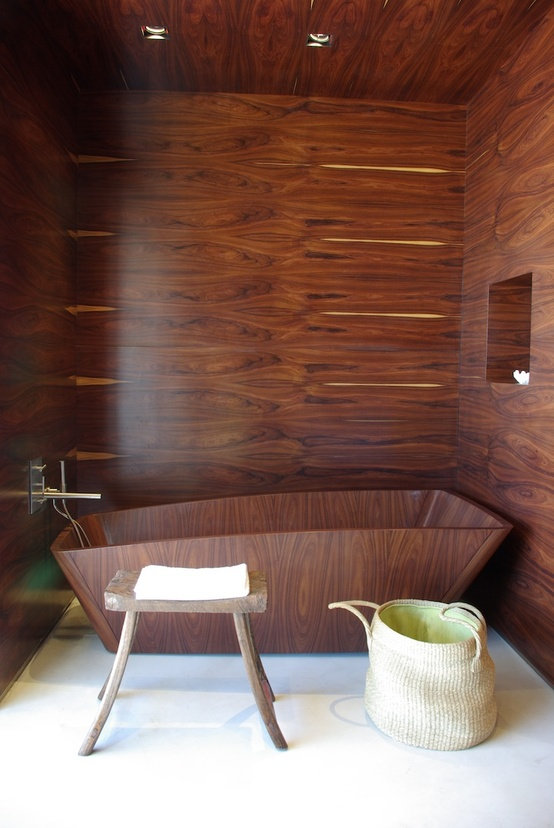 comfortable-wooden-bathroom-decoration__