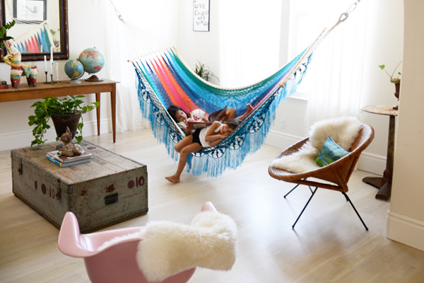 indoor-hammock-the-upcycled-market