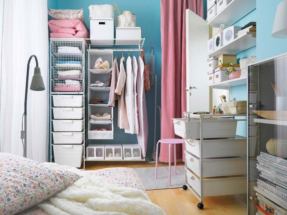 modern-laundry-room-applying-innovative-storage-drawers
