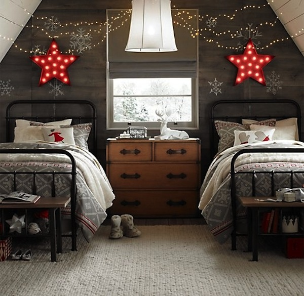 neutral-colored-Christmas-bedroom