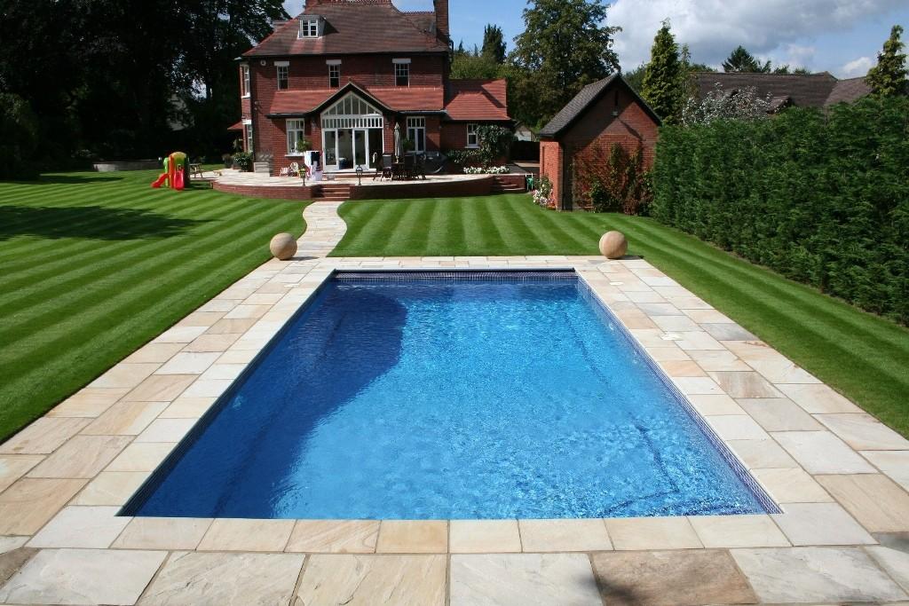 small-back-yard-swimming-pool-design-2-back-yard-swimming-pool-designs