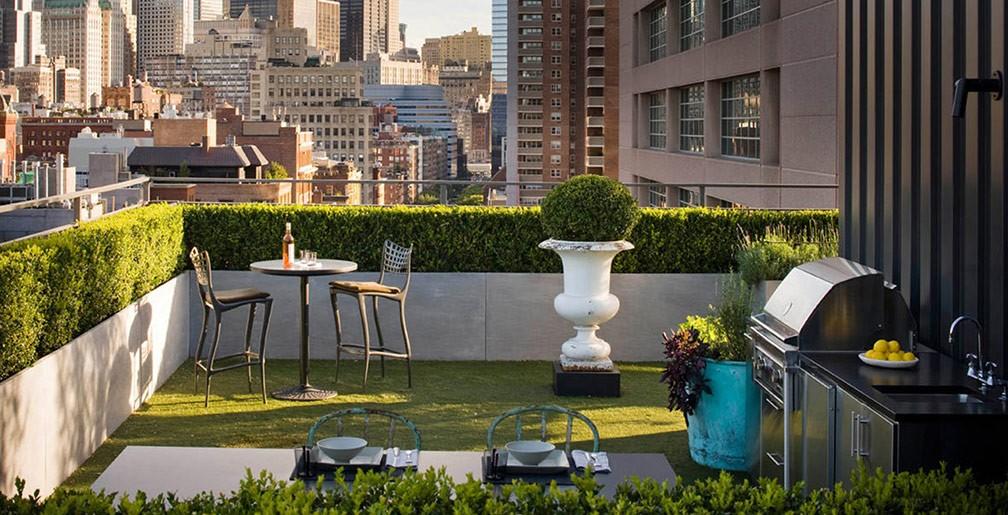 small-rooftop-garden-urban-house-design-