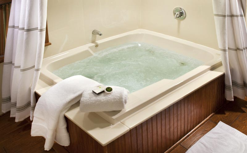 20 Beautiful And Relaxing Whirlpool Tub Designs