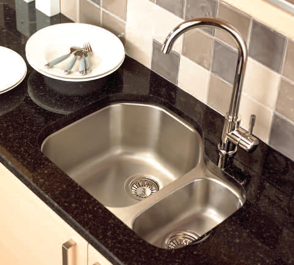 undermount-kitchen-sink-faucets