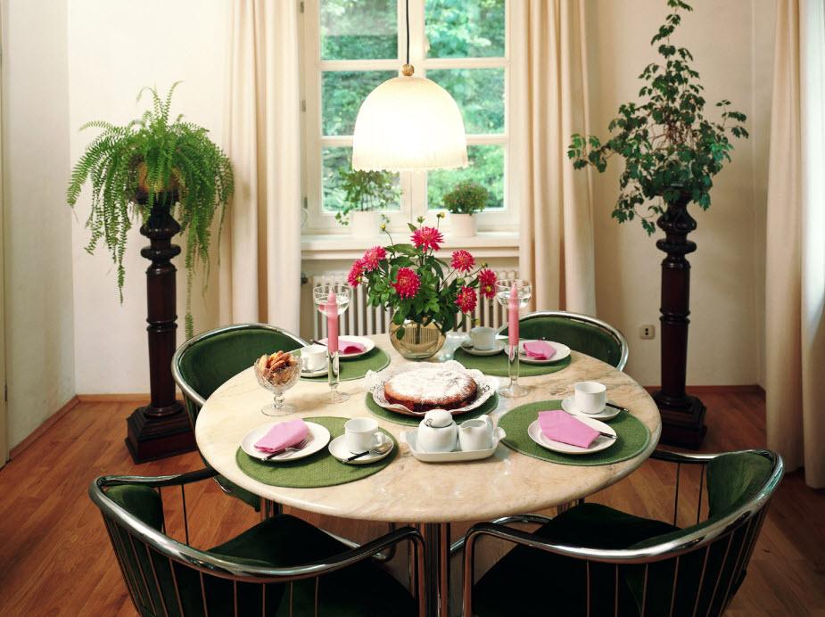 25 Elegant Dining Table Centerpiece Ideas, Round Table Centerpiece Ideas For Home