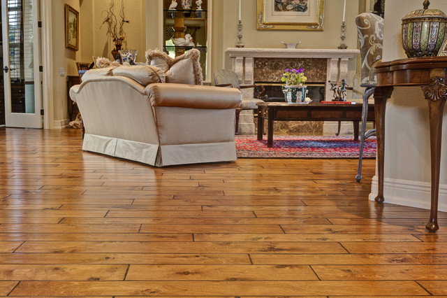 21 best living room flooring designs for Living room with wood floors