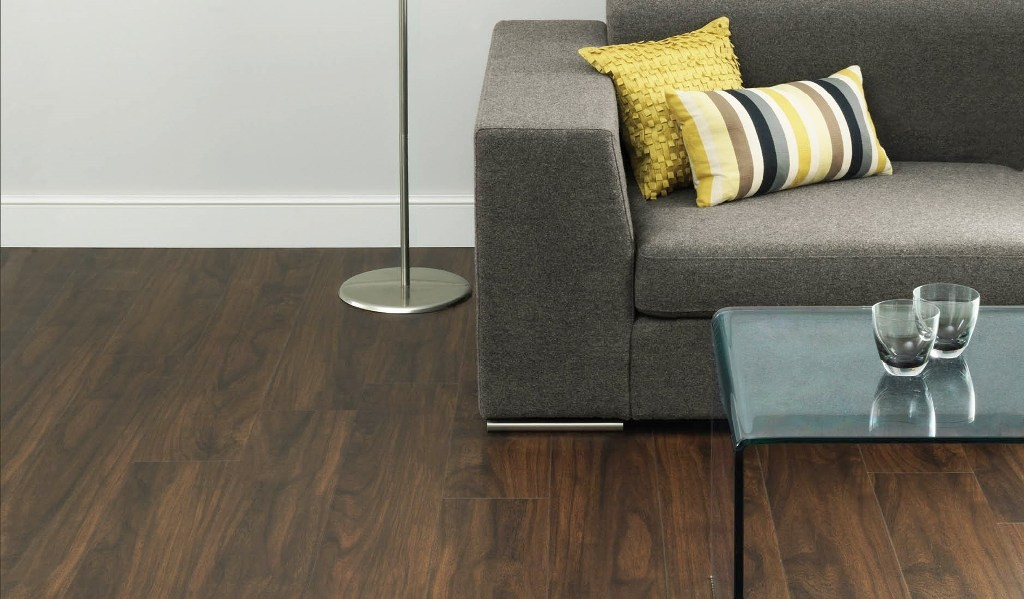 wood-flooring-columbian-walnut-in-a-living-room