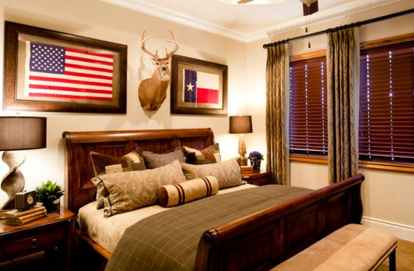 Cabin-styled-bedroom-with-a-large-sleigh-bed