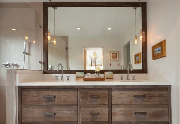Classic-bathroom-vanity-with-stylish-pendant-lights-offer-a-vintage-look