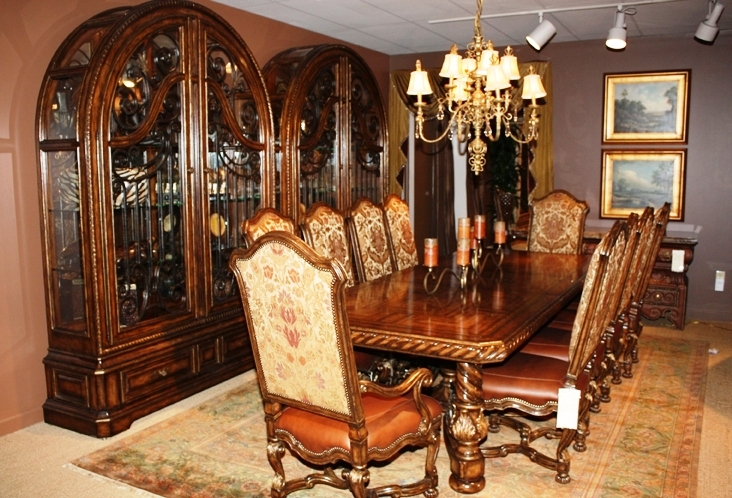 Luxury-dining-furniture