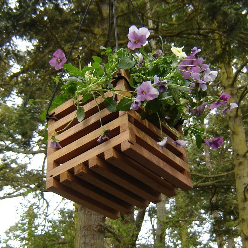 Recycled-wood-hanging-basket-planter_wooden-