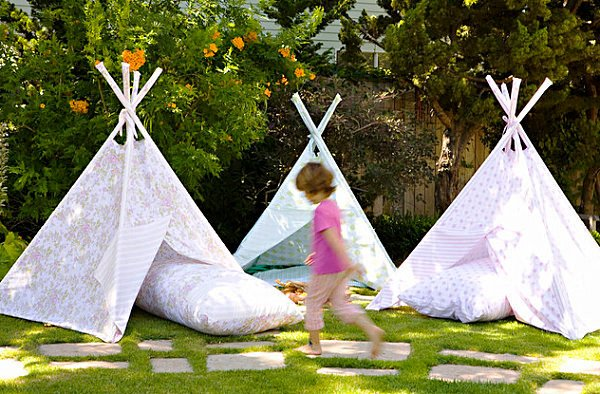 Teepee-tents-for-a-childs-birthday-party