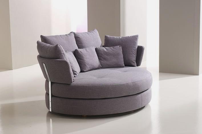 Unique-and-Comfortable-Sofa-in-Love-Shape