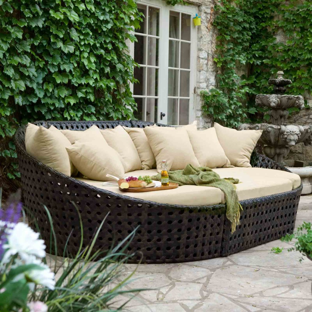 Wonderful-Outdoor-Furniture-Sets-Woven-Rattan-Sofa-Design-Ideas