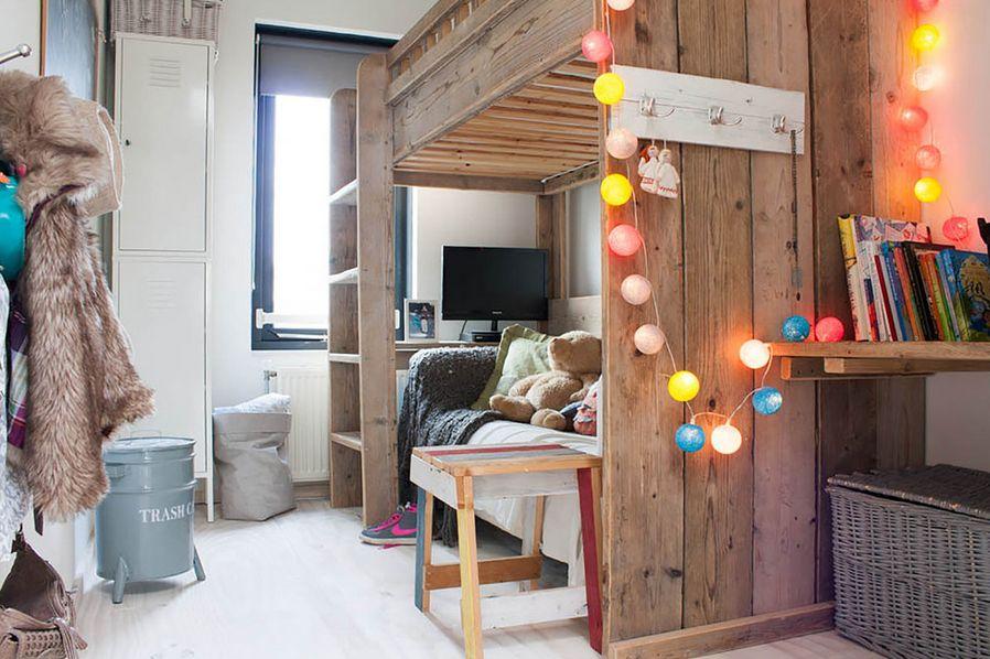 bohemian-bedroom-string-lights