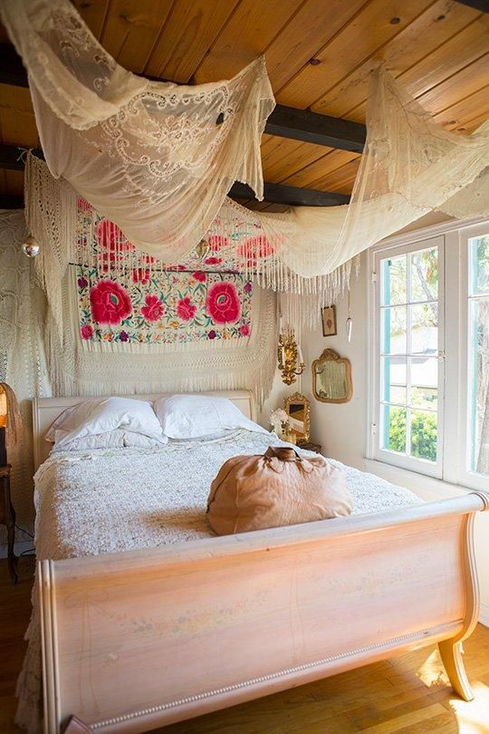 cute-boho-chic-bedroom-decor