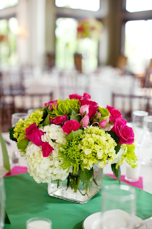 floral-centerpieces-for-spring-weddings