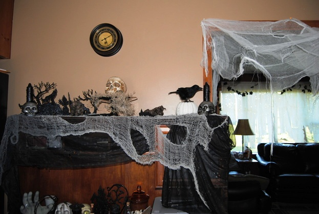 indoor-halloween-decorations-as-halloween-decorating-ideas