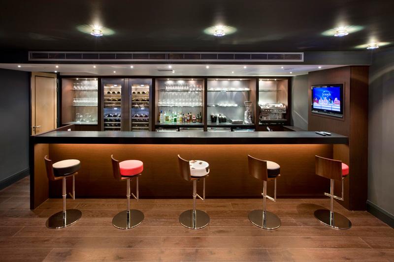 modern-mini-bar-in-home