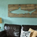 12 Fabulous DIY Pallets Wall Art Ideas
