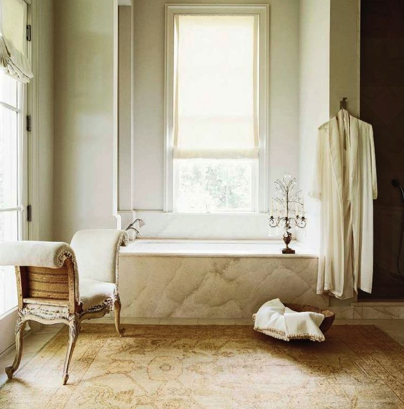 retro-bathroom-decoratin-ideas-french-european-decor