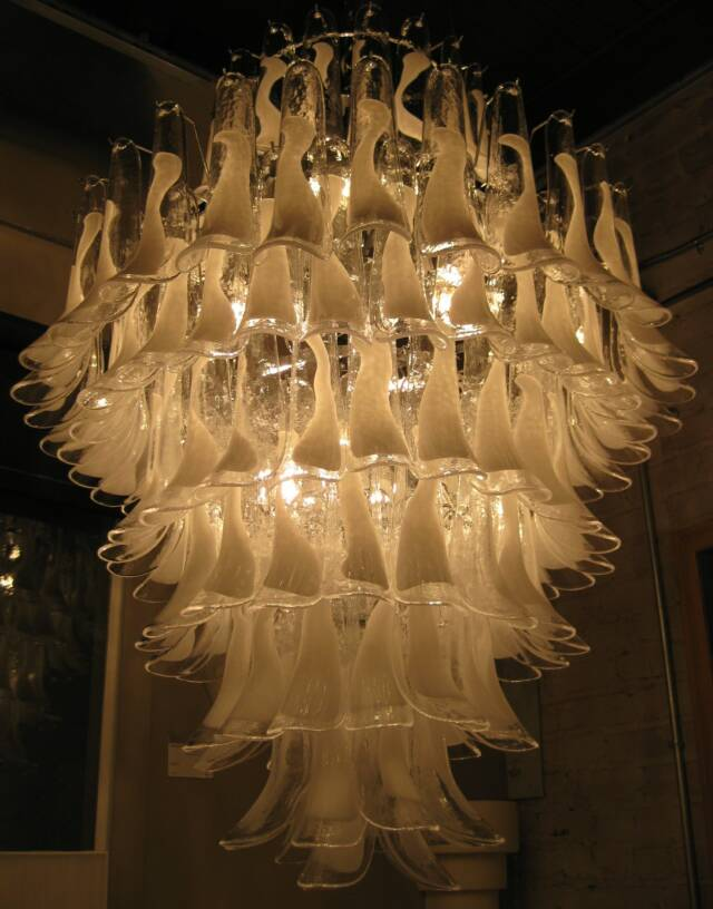 royal Feather-Chandelier