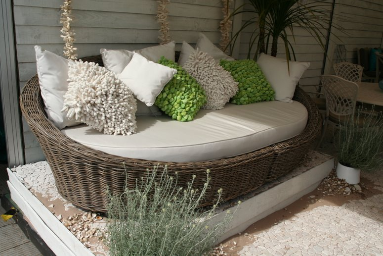 sketchy-ideas-of-all-weather-rattan-garden-furniture-uk