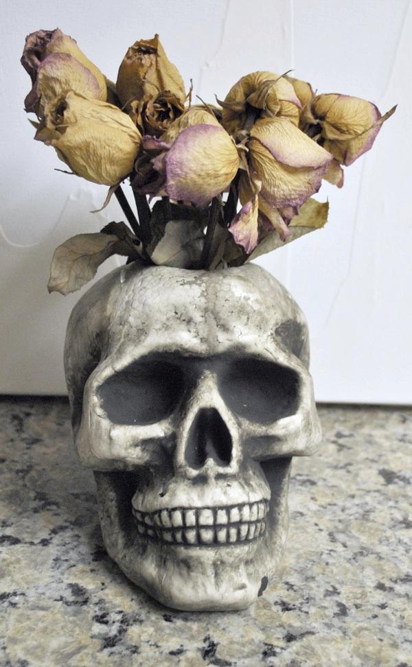 skull-vase-halloween-vase-DIY-