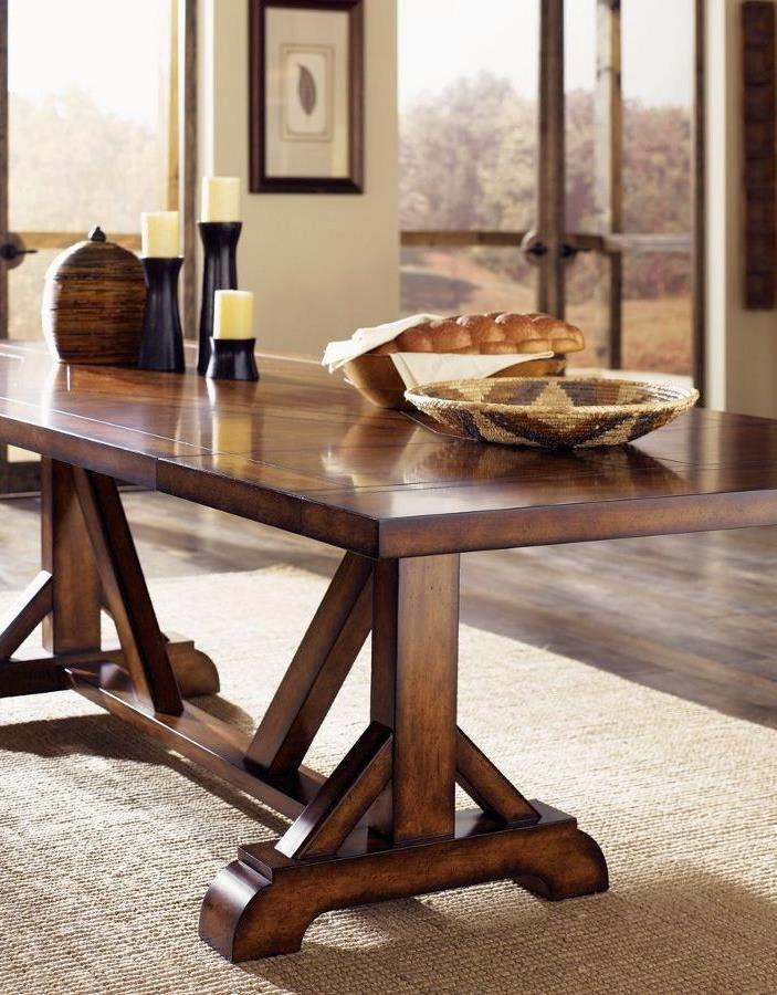 Classic-pine-trestle-table