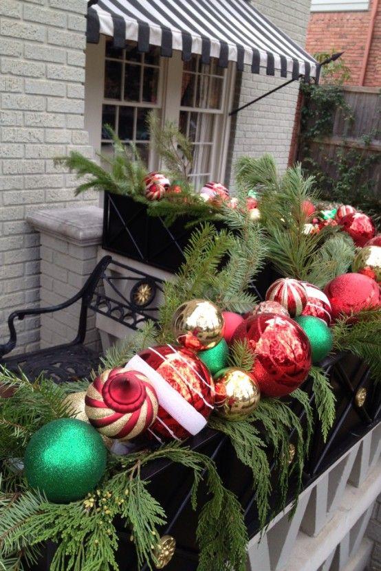 Cool Christmas Balcony Décor