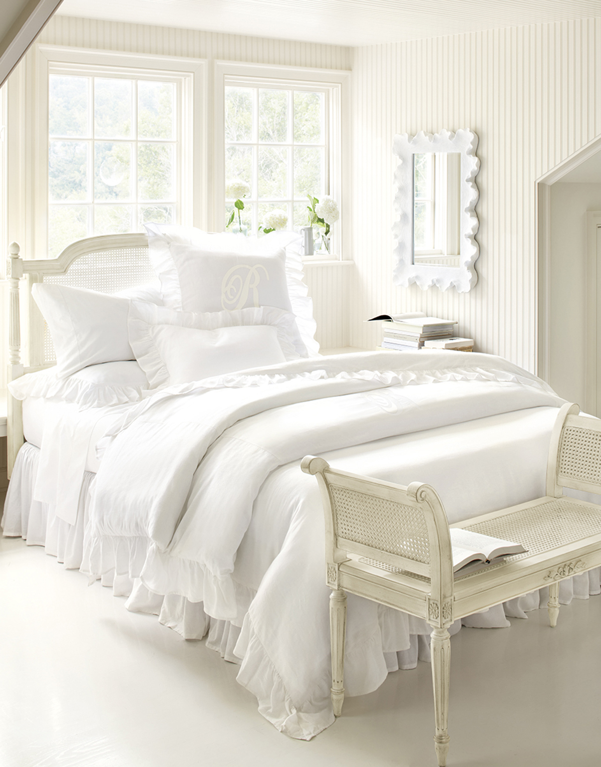25 all white bedroom collection for your inspiration. Black Bedroom Furniture Sets. Home Design Ideas