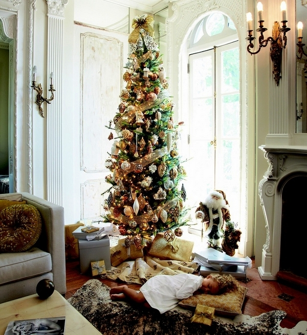 Pencil-christmas-tree-ideas-living-room-decoration-gold-ornaments
