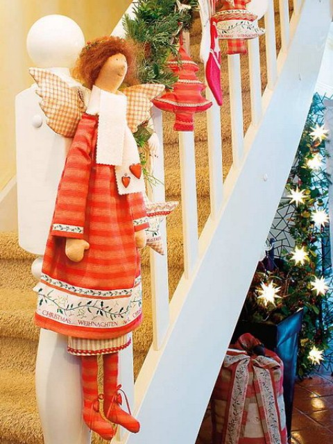 christmas-stairs-decoration-ideas-21