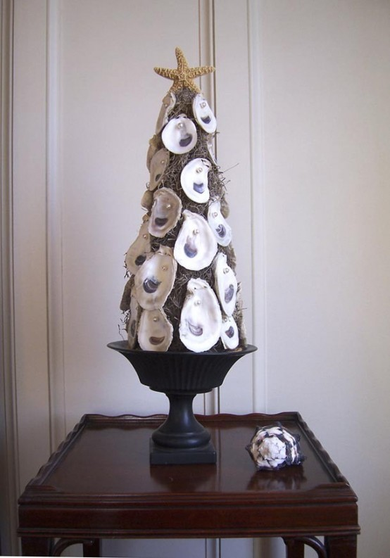 decorated-small-christmas-trees-small-space-living-room-design-ideas