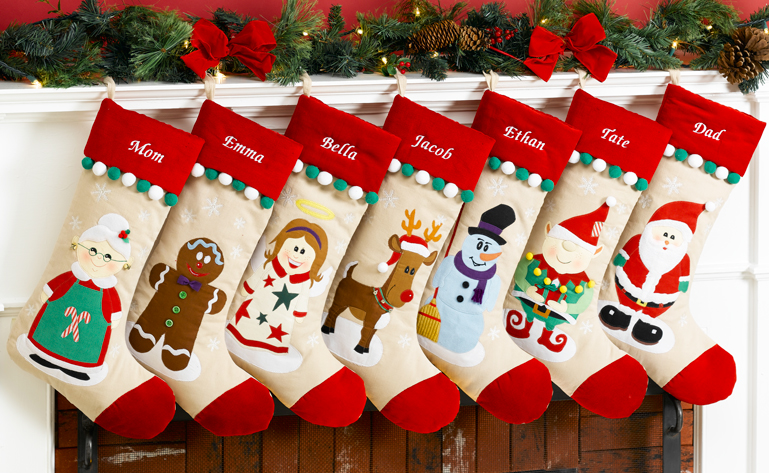 decorating-christmas-stockings