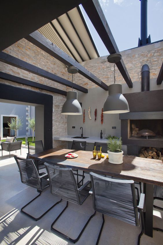 Fascinating outdoor kitchen