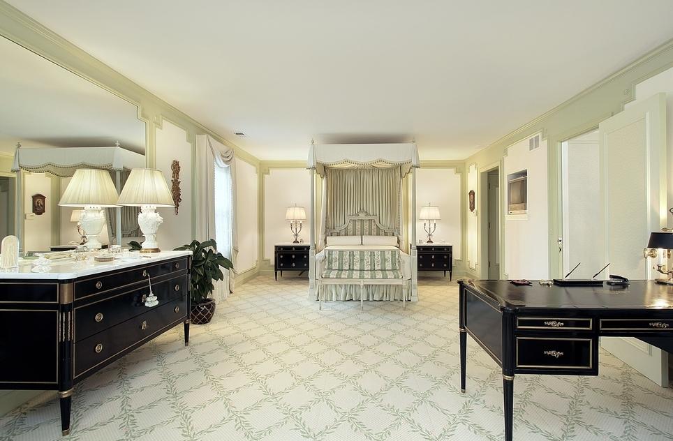 Large ornate bedroom in white