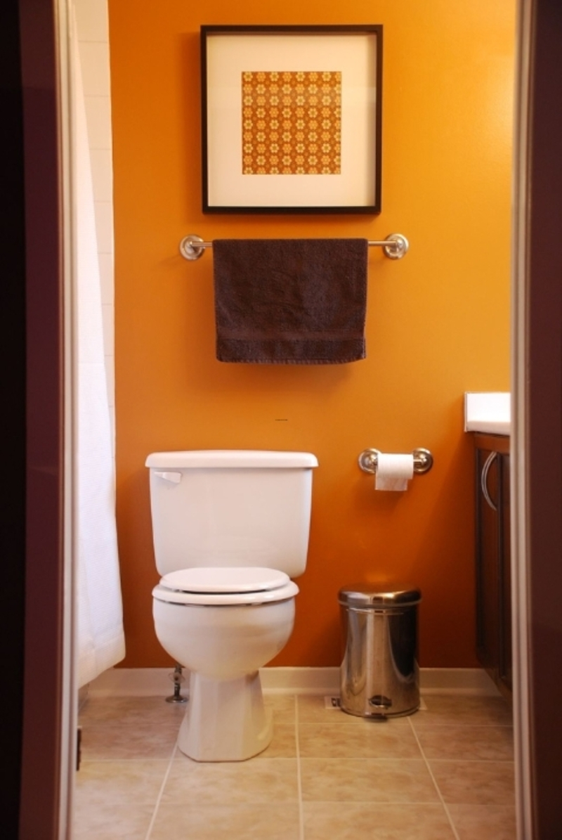 30 beautiful small bathroom decorating ideas for Tiny bathroom decor