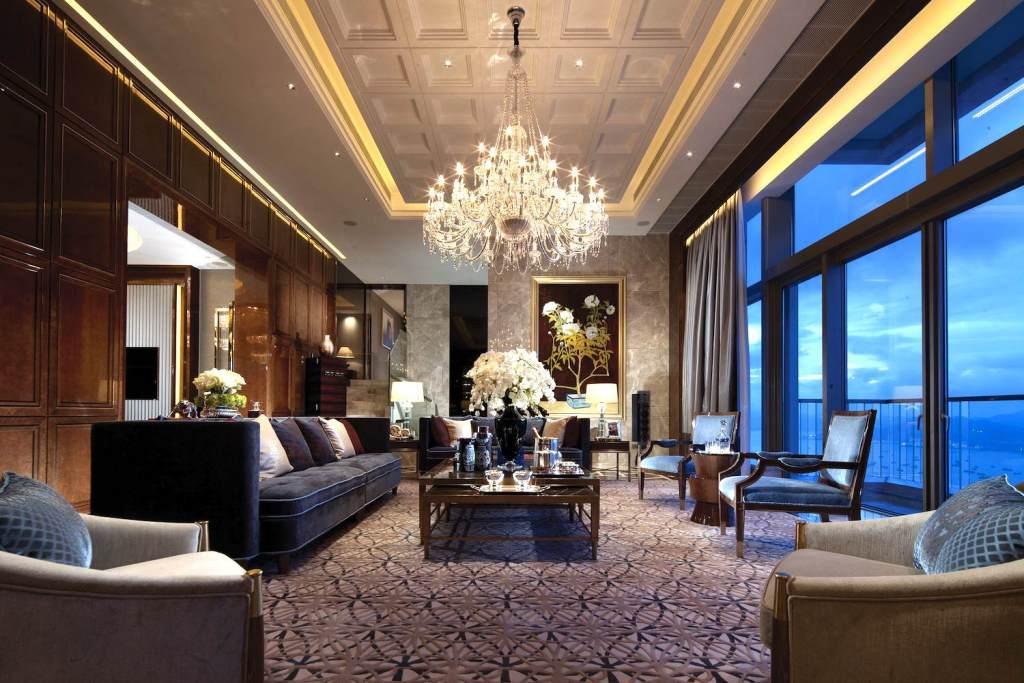 luxury-living-room-pillows