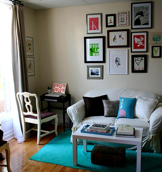 28 best small living room ideas for Small apartment living room decor