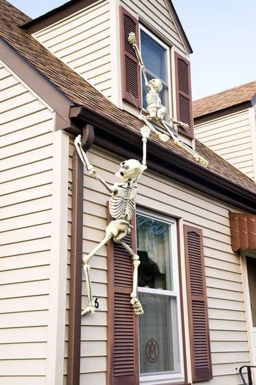 Funny DIY Skull Outdoor Decorations