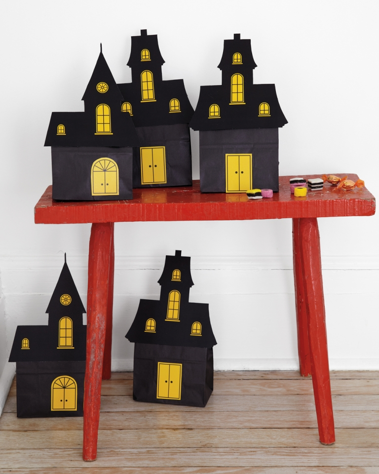 Indoor Halloween Decoration Ideas (18)